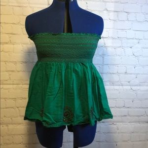 💰BCBG green tube style top with beads size M/Lg